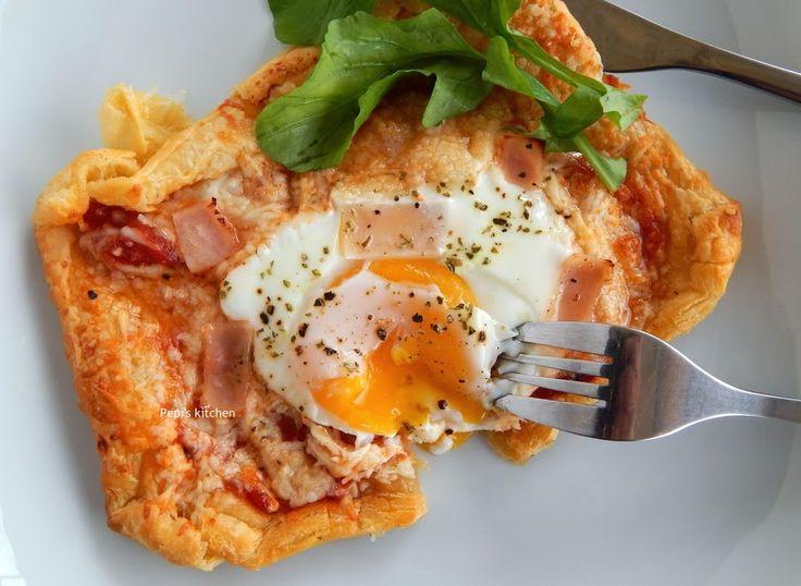 Pepi's kitchen: Αυγά Μάτια Φούρνου σε Σφολιάτα