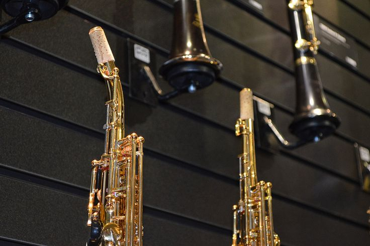 ONE PIECE Yamaha Soprano Saxophones the new 82Z - I LOVE 1 piece and have never liked removable neck 2 pieces!! These are the best Soprano Saxophones ever made....