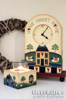 Clok e candle holder