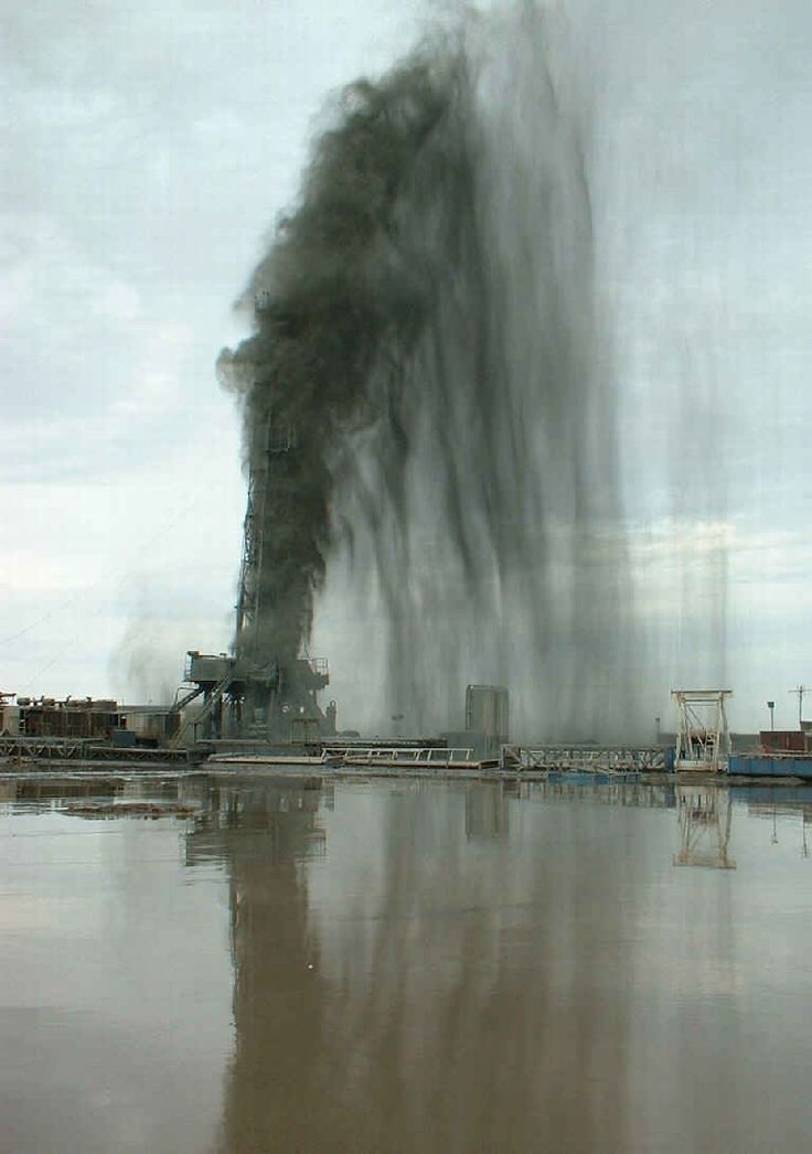 Oilfield Blowout Photos and Rig Fires, Wild Wells | All ...