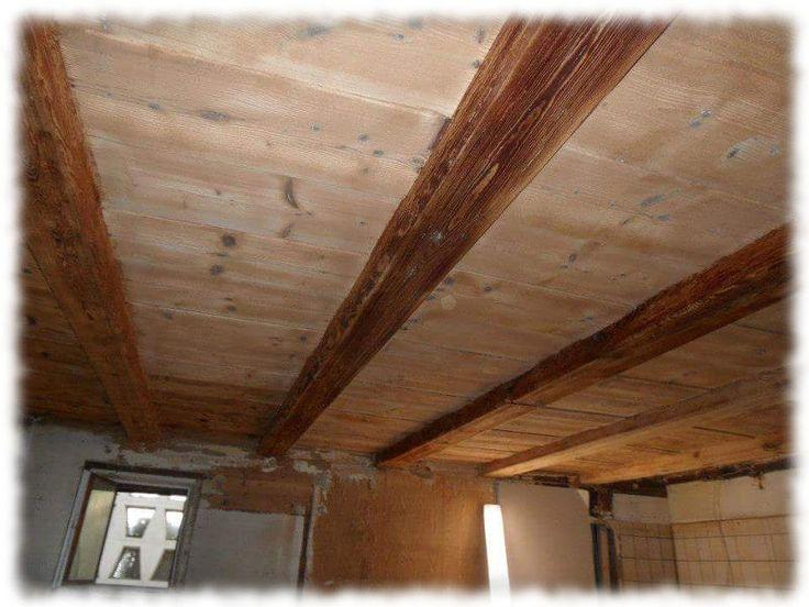 """Innenprojekt-Restaurierung der Holzdecke in der Blockstube Heute möchten wir euch den 1. Teil eines großen Projektes, welches wir 2013 durchgeführt haben zeigen. Wir beschlossen unsere Umgebinde Blockstube zu renovieren und sie wieder in ursprüngliche Zustände zurück zu versetzen. Das Problem dabei war, sie war in 2 verschiedene Räume aufgeteilt worden, die Wohnstube und die Küche. … """"Holzdecke"""" weiterlesen"""