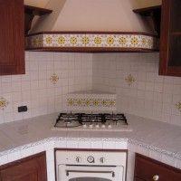 Cucina Salina - Cu.Ce.Mur - Cucine in Muratura, Tavoli in pietra lavica, Top e lavelli in pietra lavica