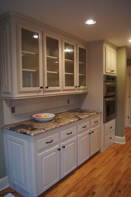 Light Caramel Glaze Kitchen Cabinets