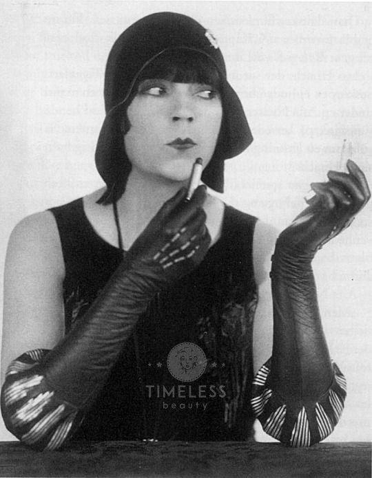 Asta Nielsen - La Diva che portò l'Erotismo nel Cinema - Timeless Beauty