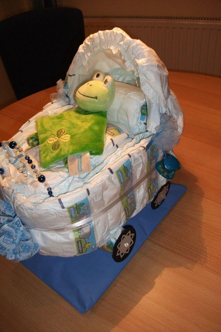 Hallo Ihr Lieben     Nun kam die nächste Kollegin ob ich nicht nochmal so einen Windelwagen machen könnte, diesmal für einen Jungen.   Ich ...