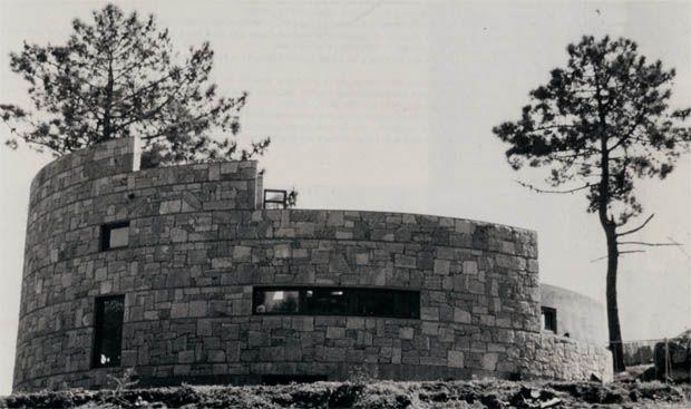 Casa Circular en A Barcela | Fernando Blanco | O Grove (1991)