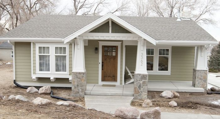 Best 20 ranch house landscaping ideas on pinterest for Vinyl siding ideas for ranch style