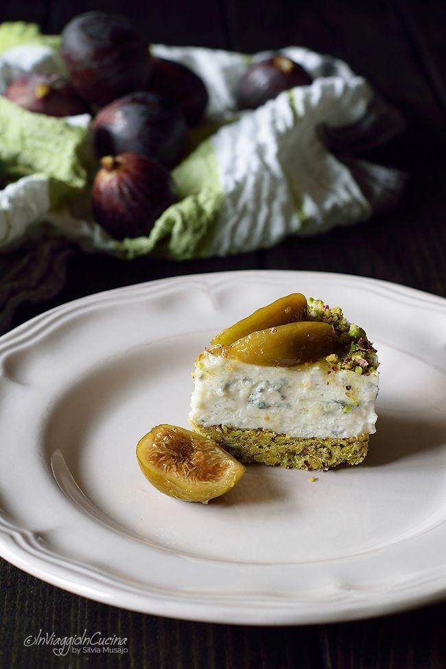 In viaggio in cucina: Cheesecake salata al pistacchio e fichi caramellati