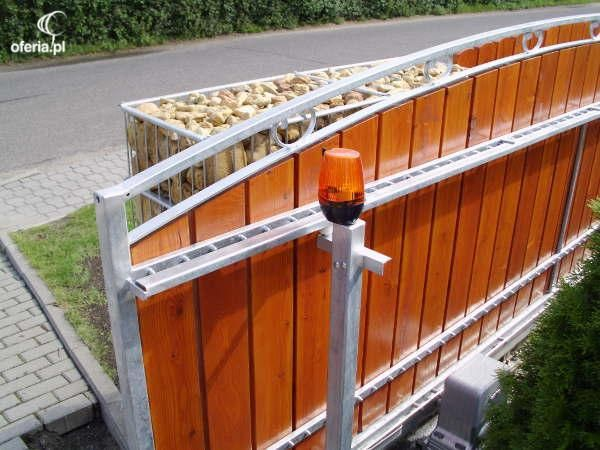 Usługi dotyczące bram i ogrodzeń z Grodka i okolic: OGRODZENIA GABIONOWE  cena do negocjacji termin realizacji do ustalenia  +48 600 880 455  zlecenia wykonuję na terenie województwa opolskiego i dolnośląskiego