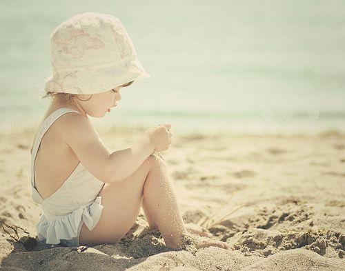beach baby: At The Beaches, Little Girls, Beaches Photo, Beaches Pics, Baby Girls, Beaches Girls, Sweet Home, Beaches Baby, Girls Style