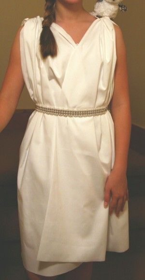 Athena costume or Greek goddess costume - If your girl or teen wants to dress up like Athena from the Percy Jackson series for a book character parade or Halloween, homemade costumes are super fun! Here are some ideas and directions for how to make a DIY greek goddess dress. It's no-sew and super easy!