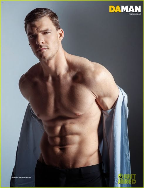 Celeb Diary: Alan Ritchson in revista Da Man (decembrie 2013/ianuarie 2014)