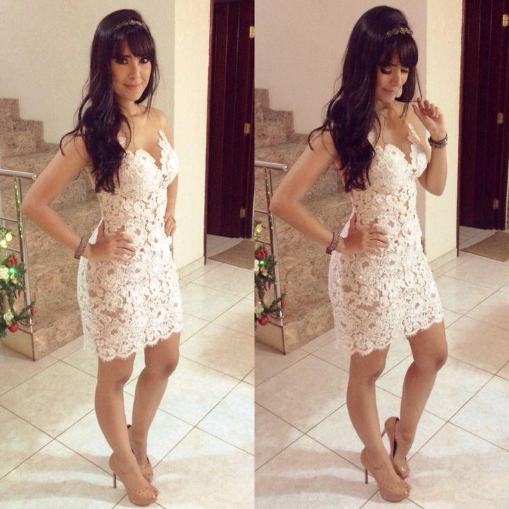 Mrtha Medeiros white lace dress