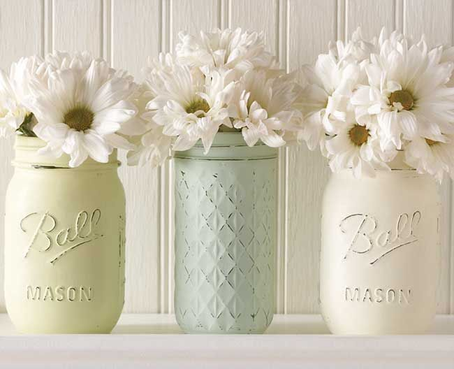 #DIY these vintage-inspired #masonjars with the brand new Vintage Decor Paint from #marthastewartcrafts, now available @michaelsstores