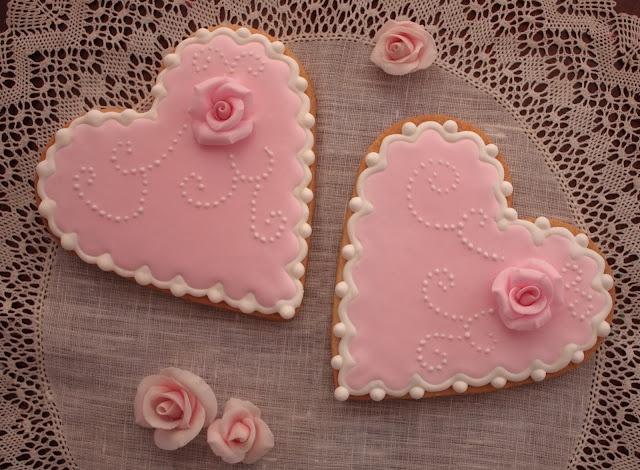 Pretty heart cookies.