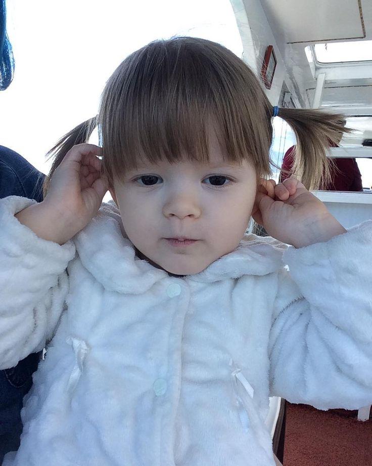 Maymun taklidi yaparken����#istanbul#sahil#boğaz#tarabya#tekne#gezinti#teknekeyfi#mangal#mangalkeyfi#fotoğraf#anıyakala#anıyaşa#saç#stil#orijinalhaircolor#hair#blonde#blondehair#blondegirl#instababy#deniz#denizhavası#sarışın#kız#babygirl#snap#snapshot#annelergünü#gamzeli#gamzelimelek http://turkrazzi.com/ipost/1515304624435803072/?code=BUHcYcKALPA
