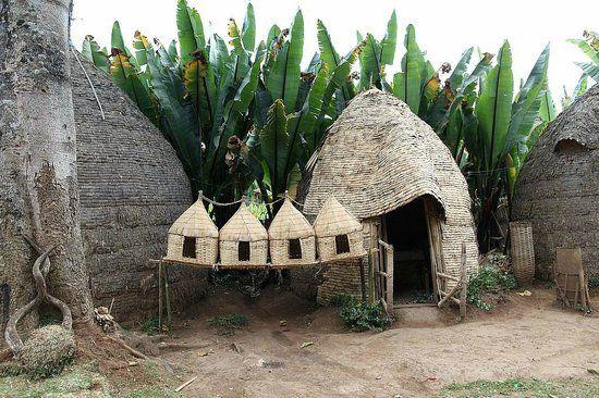 76 best Grass house images on Pinterest Traditional, Vernacular - construire une maison au mali