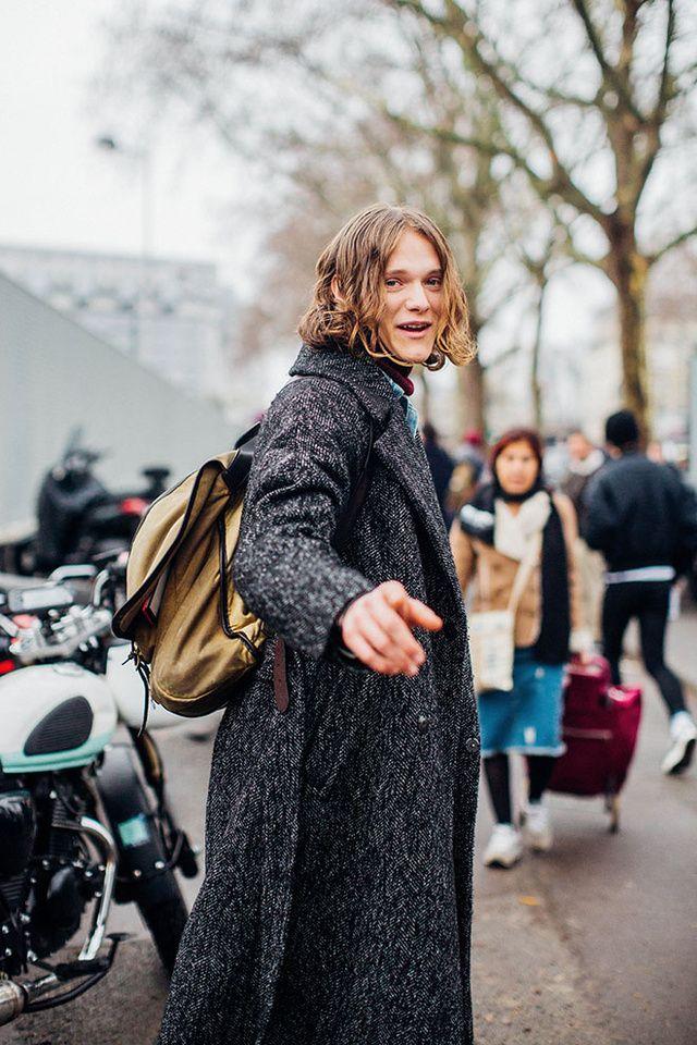 Zoom sur les meilleurs looks de rue pris sur le vif par Jonathan Daniel Pryce à la sortie des défilés homme automne-hiver 2016-2017 à Paris