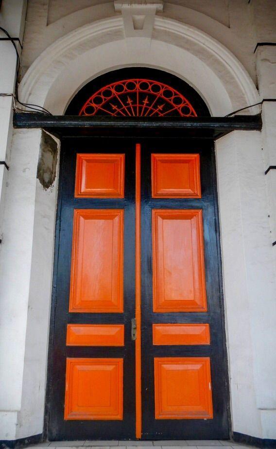 Semarang, Java, red-orange Indonesia door