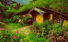 love this little cob house