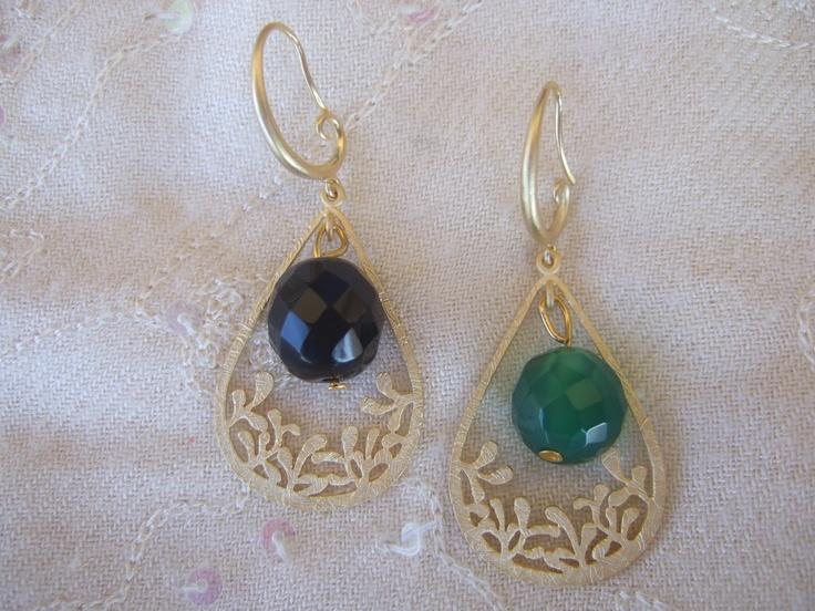 Orecchini ottone placcato oro agata nera e agata verde