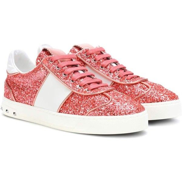 Valentino Valentino Garavani Fly Crew Glitter Sneakers ($675) ❤ liked on Polyvore featuring shoes, sneakers, pink, valentino sneakers, pink glitter sneakers, glitter trainers, valentino trainers and glitter sneakers