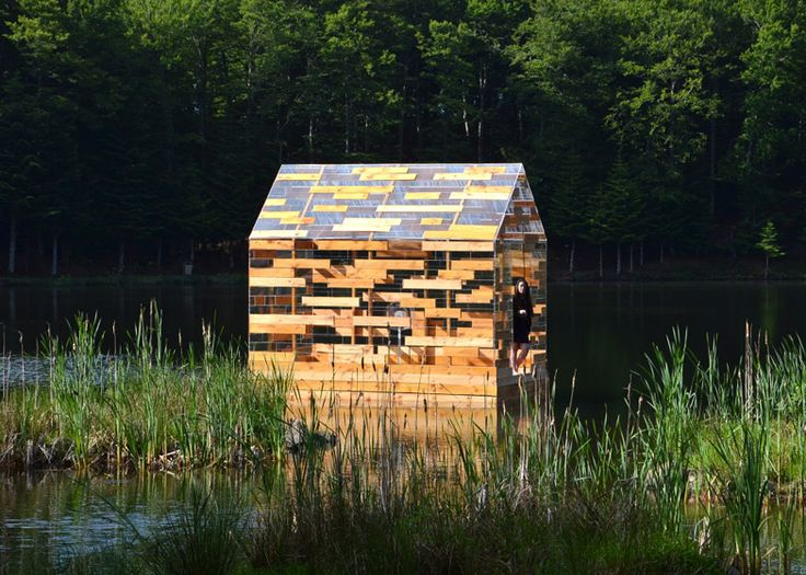 Walden Raft cabin offers solitude in the middle of a French lake