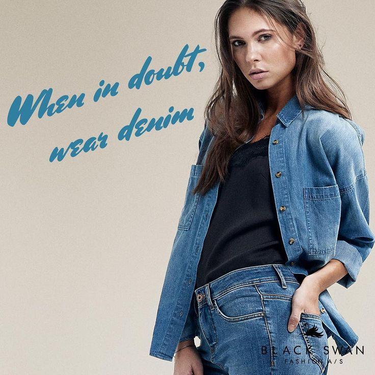 """29 Synes godt om, 1 kommentarer – Black Swan Fashion (@blackswanfashiondk) på Instagram: """"When in doubt, wear denim! Try our jeans on by our consultants, or shop them online! 😍👖#denim…"""""""