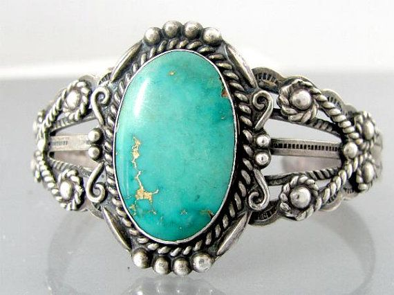 Vintage Native American sterling silver cuff bracelet. (This style may have been production tourist piece - Native made.)