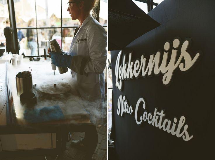 Het ijs van Lekkernijs is een bijzondere beleving! Je kiest de smaak, en die gaat vloeibaar de container in. Vervolgens wordt er op megawetenschappelijke manier (met stikstof) ijs van gemaakt. Heel tof! De smaak (en kleur) is trouwens volledig aan jullie voorkeuren aan te passen. Wij vinden Girls of honour paars wel een leuke kleur ;) // Foto: Anouk Fotografeert // Girls of honour