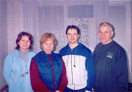 """""""...Особым событием для всех является каждый приезд Мастера Сюй Минтана в Молдову, впервые посетившего нас в 1998 году"""" (Фотогаллерея клуба """"Цветок лотоса"""")"""