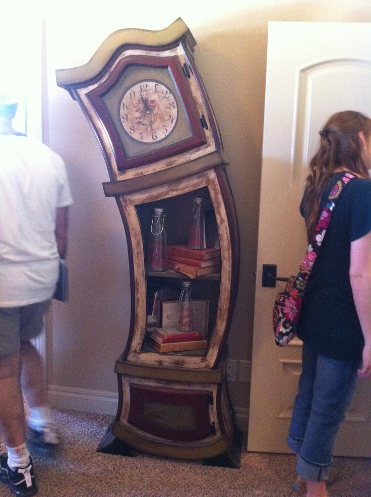 Unique clock which would go right near the front of the contortionists tent