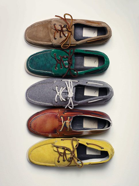 Deck shoes.: Women Decks Shoes, Red, Boat Shoes, Boots Shoes Sands, Boats Shoes The Port, Green, Fashion Looks, Ugg Shoes, Vari Colour