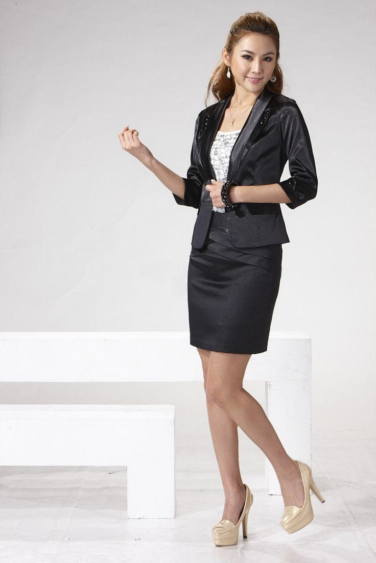 Womans Skirt Suit 29