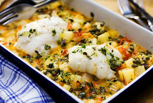 Gös med smör- och citronbrässerad potatis | Recept.nu