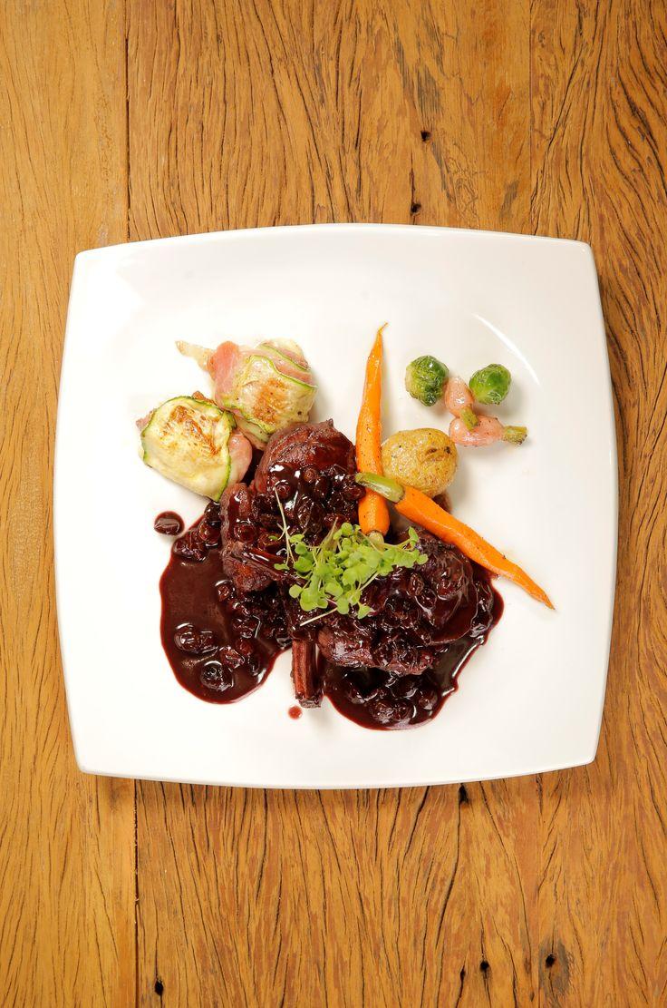 Uma deliciosa receita de Cordeiro ao Molho que o Chef Pedro Benoliel conheceu em Gramado, no Rio Grande do Sul. Experimente fazer para um almoço gostoso!