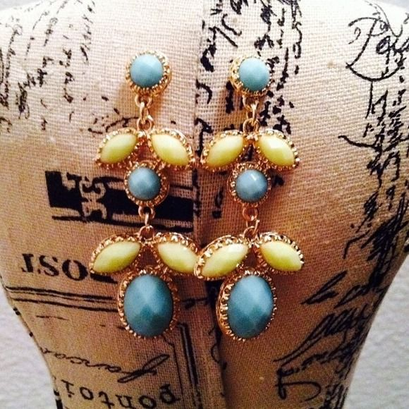 """Selling this """"Mint and teal earrings"""" in my Poshmark closet! My username is: shenzijewelry. #shopmycloset #poshmark #fashion #shopping #style #forsale #Jewelry"""