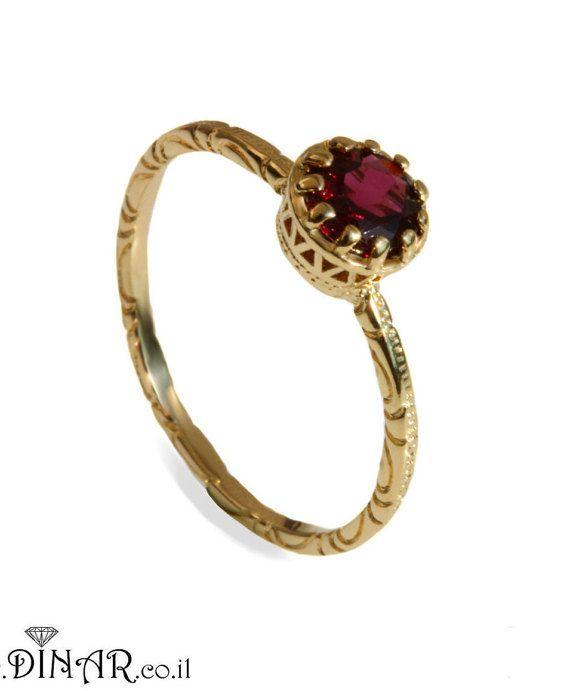 Anillo de granate anillo de compromiso de corona por DINARjewelry