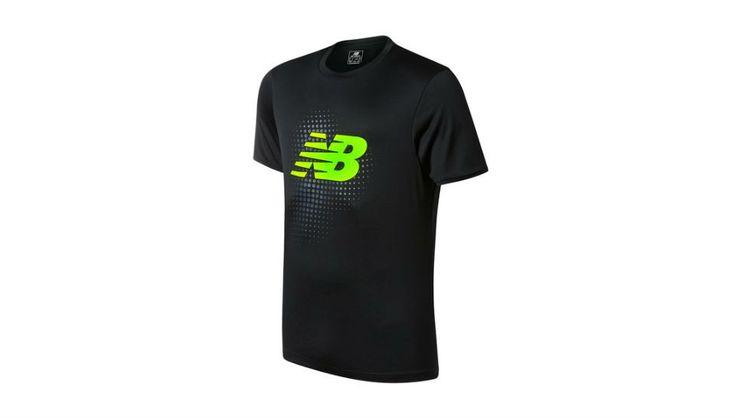 Яркая футболка New Balance Tech Training SS Jersey для активных занятий спортом с крупным логотипом на груди. #еда, #часы, #ремни, #мода, #стиль, #аксессуары, #невеста