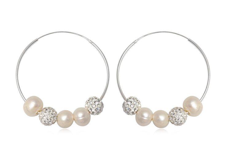 Cercei rotunzi din argint 925 cu perle albe si cristale.