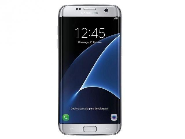 "380,00€ · sansumg gaalaxy s7 edge plata · Pantalla Super AMOLED 5.5"" Cámara trasera Dual Pixel 12 Mp OIS (F1.7) Cámara frontal 5 Mp Procesador Octa Core 1.6 GHz Memoria interna 32 GB (Ampliable a 200 GB con microSD) Memoria RAM 4 GB Sistema Operativo Android 6.0 (Marshmallow) con TouchWiz Batería 3600 mAh 4 G · Electrónica > Telefonía > Móviles / Smartphones > Smartphones Samsung"