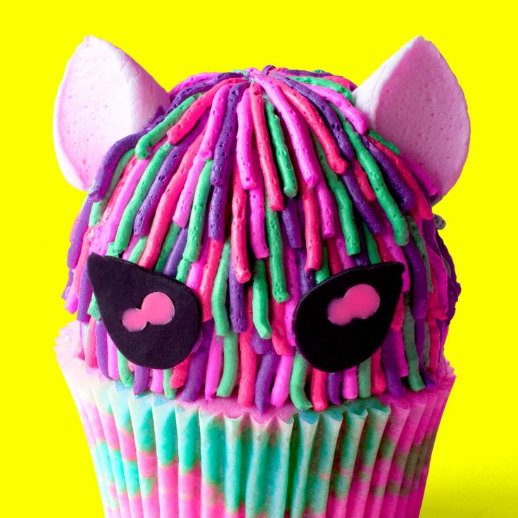 Kitty Girl Cupcakes   – Desserts and Sweets