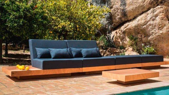 Modular outdoor sofa \