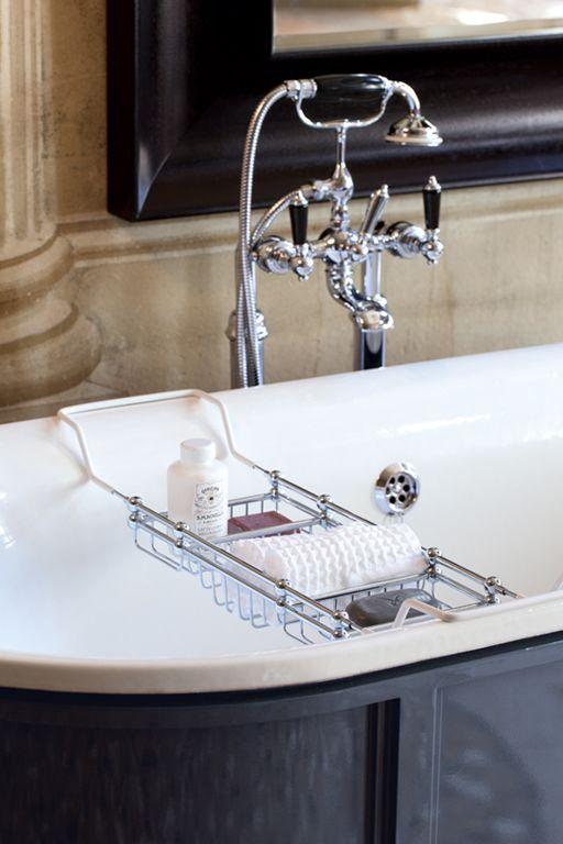 GHISA New Canada, bañera de hierro fundido de #gentryhome Un ambiente rico de historia, atmósfera de especial elegancia, acompañan y rinden memorable lo cotidiano. Este es el ambicioso objetivo que ha dado vida a las colecciones de GENTRY HOME. Más info en
