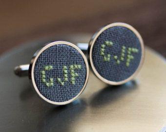 Monogramma gemelli, matrimonio personalizzato gemelli, gemelli personalizzati per lo sposo, testimoni dello sposo, tessuto grigio - i021