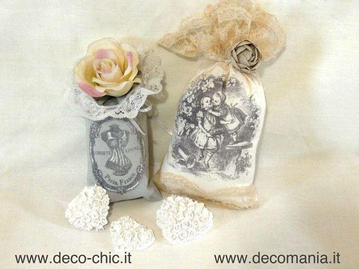 Sacchettini in stoffa realizzati con la tecnica del TRASFERIMENTO DI PIGMENTO :sono state utilizzate le carte RIFLESSI DI CARTA cod. TRA004 e TRA007 e il liquido Deco-TRANSFER-Mania ( cod. LIQ125)  www.deco-chic.it