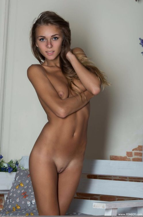 Sexy Naked Skinny Women