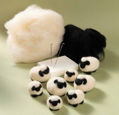 sheepies. NO PATTERN, just for info…. would be easy to needle felt. Must try xox