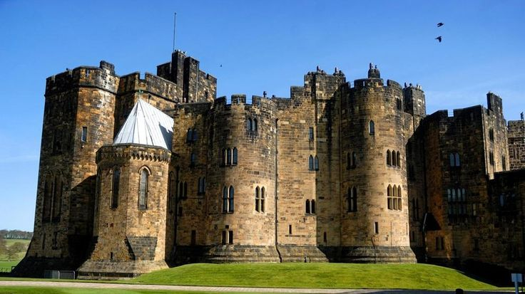 Troppi turisti nel castello di Harry Potter: i duchi se ne vanno in Scozia