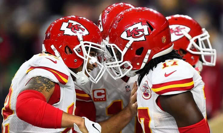 Knile Davis records second-longest kickoff return in postseason history as Kansas City cruise to a 30-0 wildcard victory over Houston
